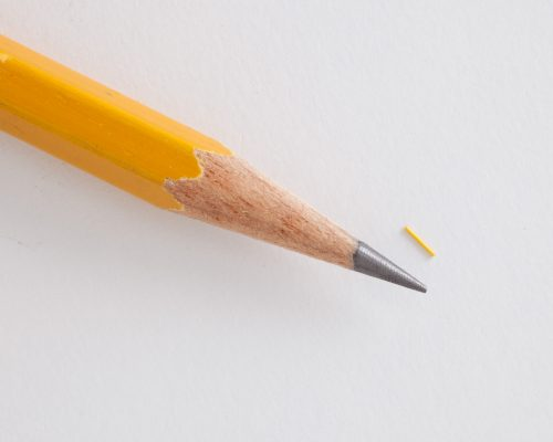 Implantat Iluvien - Im Verlgeich zu einer Bleistiftspitze